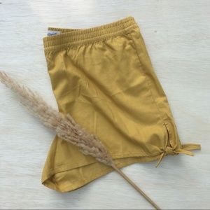 Madewell Pull-On Side Tie Short, Gold